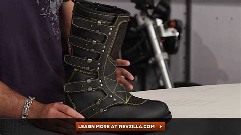 Icon 1000 Women's Elsinore Boots Review at RevZilla